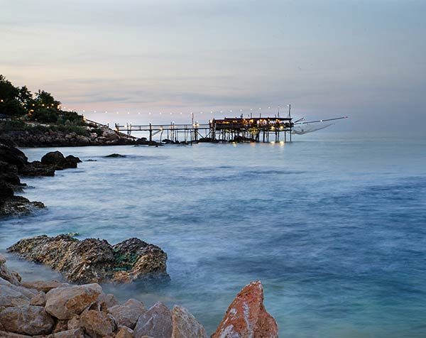 seaside-elope-in-italy