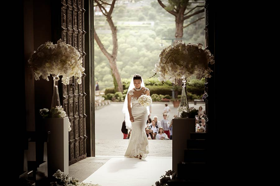 Klarisse walking down the aisle of the church
