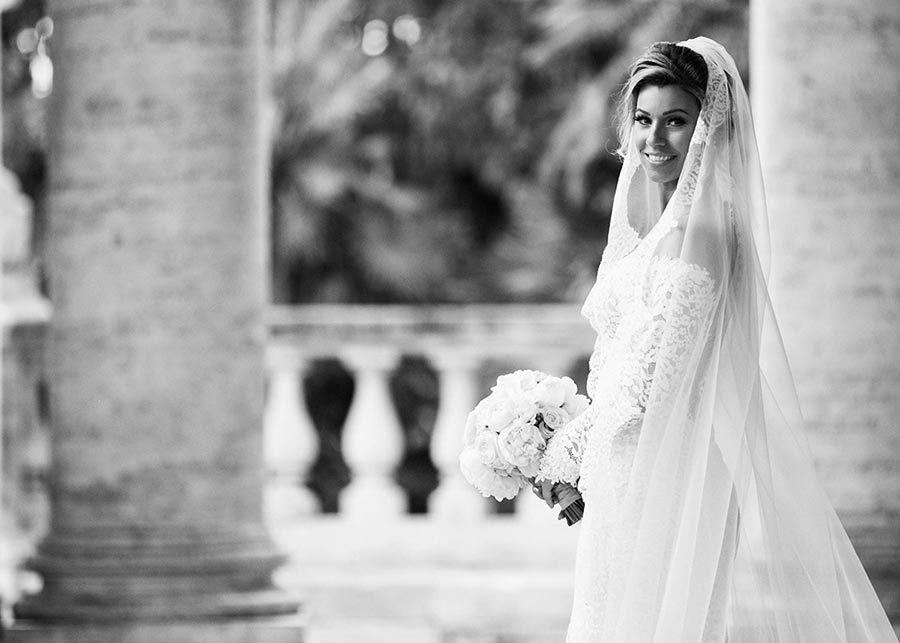 Beautiful bride for a luxury wedding in Rome
