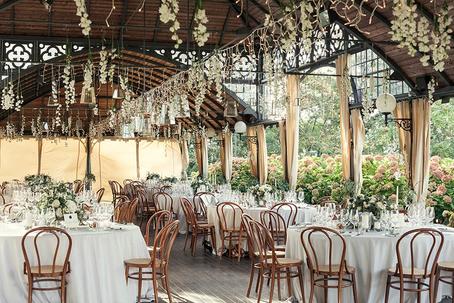 Country chic wedding reception in Langhe, Italy