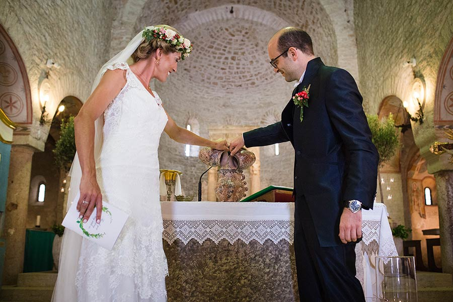 The rite of the wine: a special blessing for the newlyweds as a moment of high spirituality