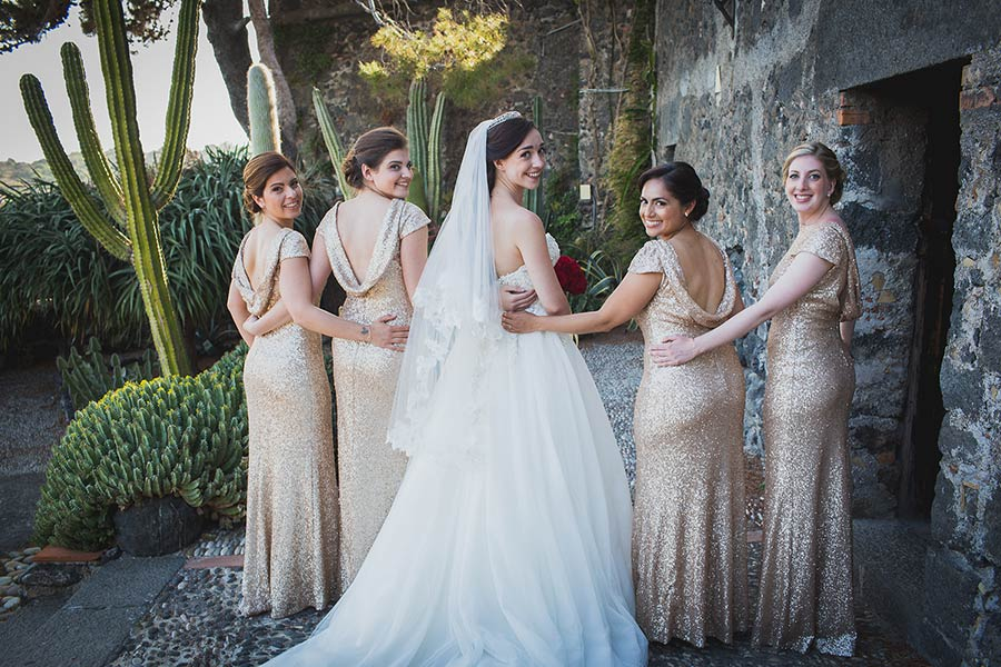 Angela and her bridesmaids in the beautiful Sicilian landscape