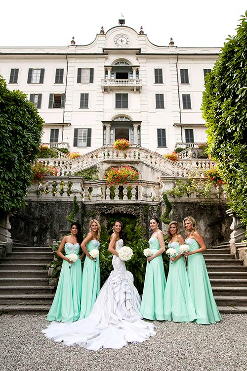 Before the wedding ceremony: photo session in amazing Villa Carlotta park