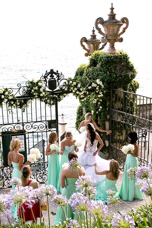 The arrival of the bride and bridesmaids in Villa del Balbianello