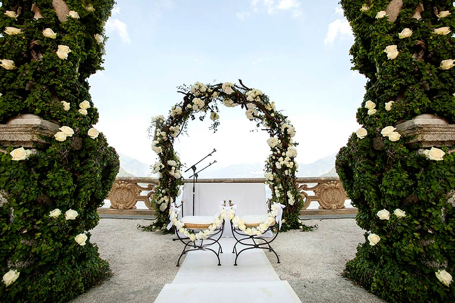 A fabulous setting for Margie and Ryan's wedding ceremony at Villa del Balbianello
