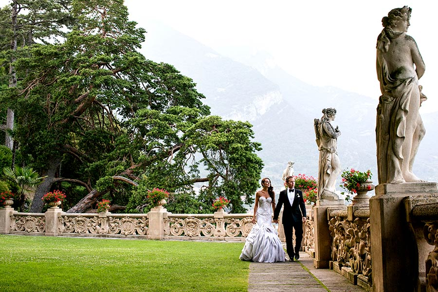 Wedding photo session in Villa del Balbianello gardens