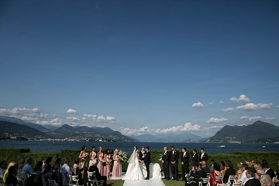Wedding ceremony overlooking Lake Maggiore