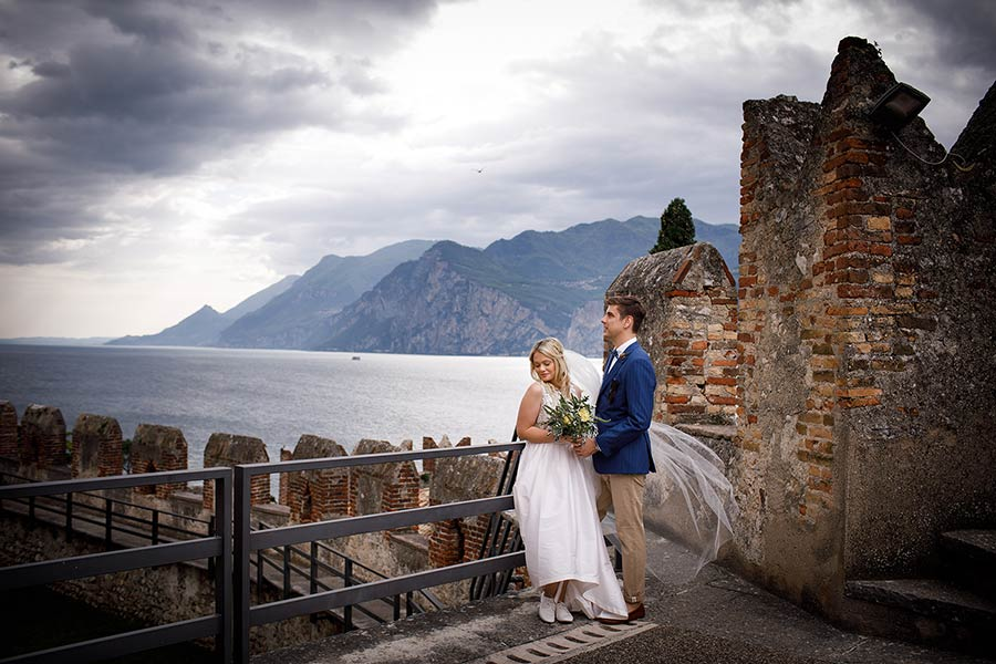 Romantic wedding at Malcesine Castle