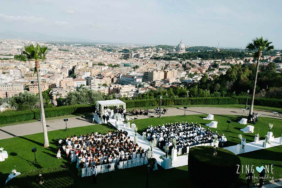 Open air wedding ceremony in Villa Miani