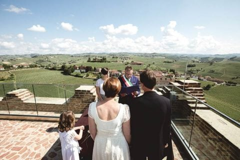 A romantic Elope in Langhe vineyards