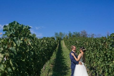 A First Look Photo Session and a Jewish Wedding in Piemonte Countryside